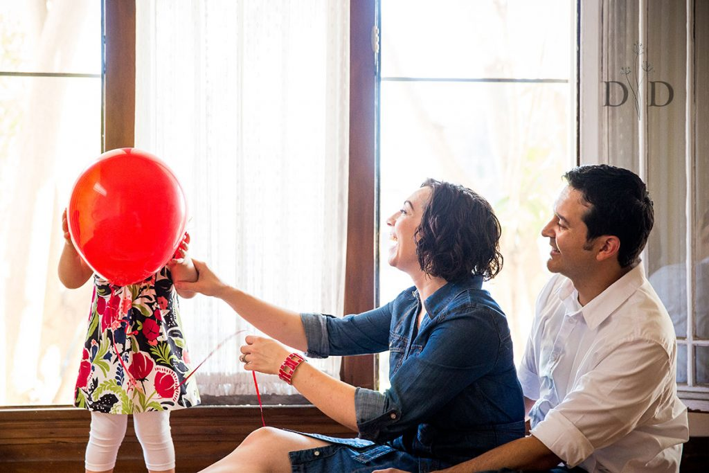 Cute Family Photos at Home with Red Balloons