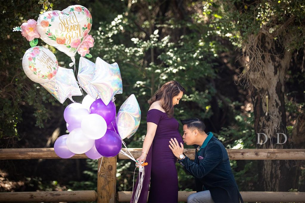 Maternity Photography with Balloons