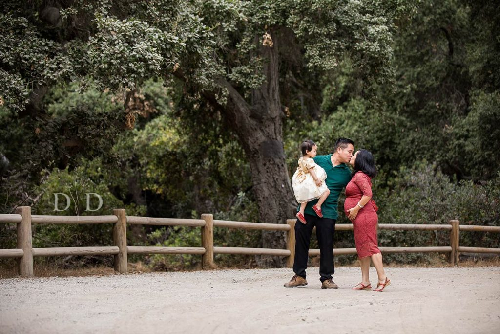 Maternity Photos with One Child