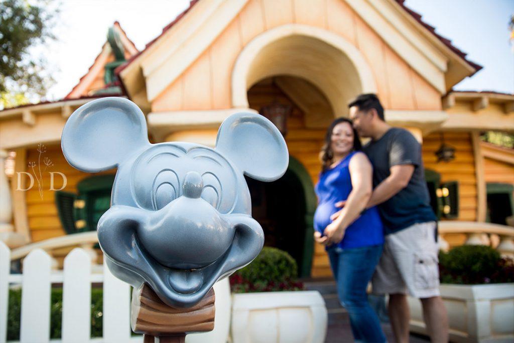 Disneyland Family Photography Toon Town Mickey's House