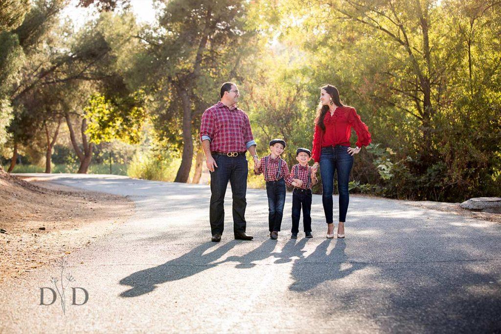 Family Photo in Bonelli Park, San Dimas