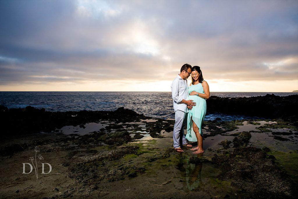 Laguna Beach Maternity Photos on the rocks