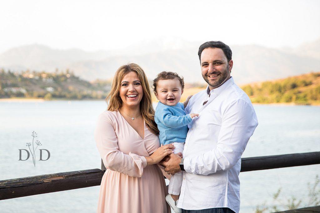 Family Photo Bonelli Park Lake