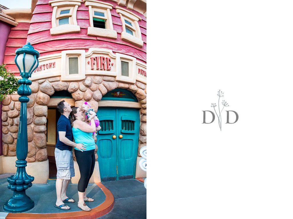 Disneyland Family Photos Toon Town